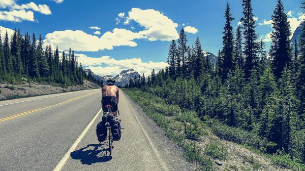 Willem fazendo ciclismo com ótima postura